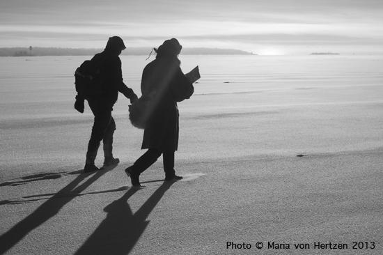 Tammikuu 2013, Inkoo: jääkävely merellä hirvittävässä pakkasessa ja postapokalyptisissä tunnelmissa.