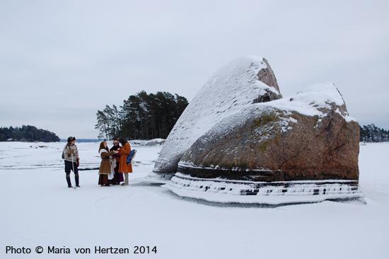Tammikuu 2014, Sipoo: jääkävely tuoreella merenjäällä kartanomaisemia ihmetellen.